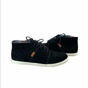 Vans Women's Black Suede Chukka Boot size 9